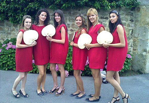 Azafatas con vestido rojo WO